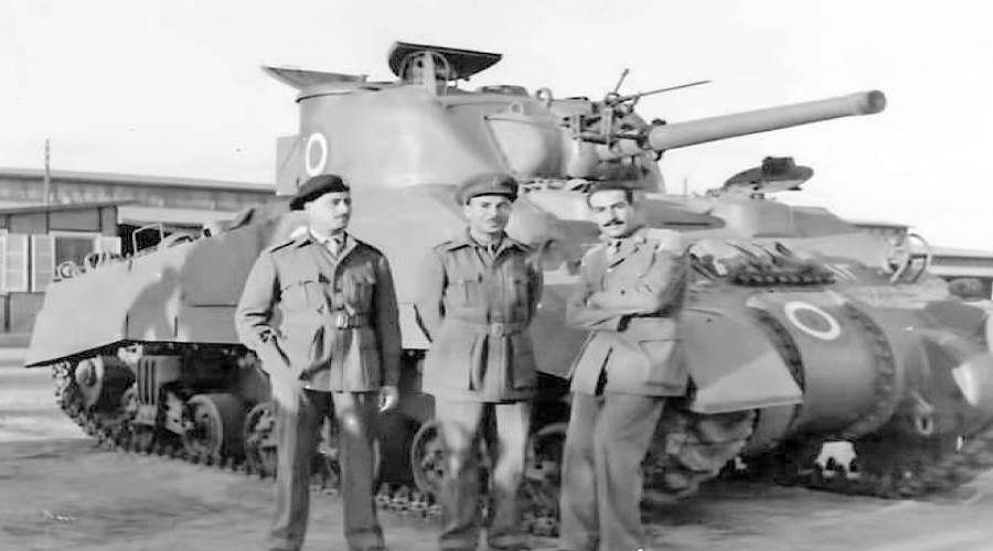 أثناء فرقة الدبابة السنتوريان بإنجلترا عام 1950