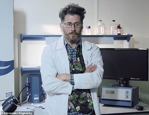 الدكتور كاجانكسي