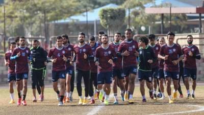 فريق أسوان يؤدي تدريباته بقيادة علاء عبد العال