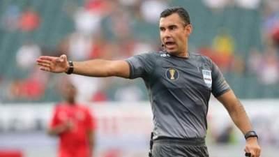 ماريو اسكوبار حكم مباراة الأهلي والدحيل بمونديال الأندية