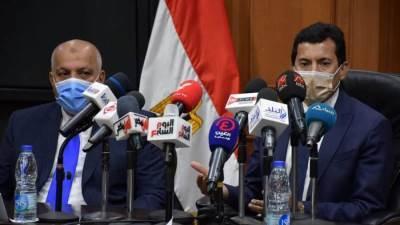 الدكتور أشرف صبحي واللواء حازم حسني